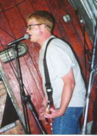 Daryls, The: 5/16/01 at the Garage By Sean Carswell
